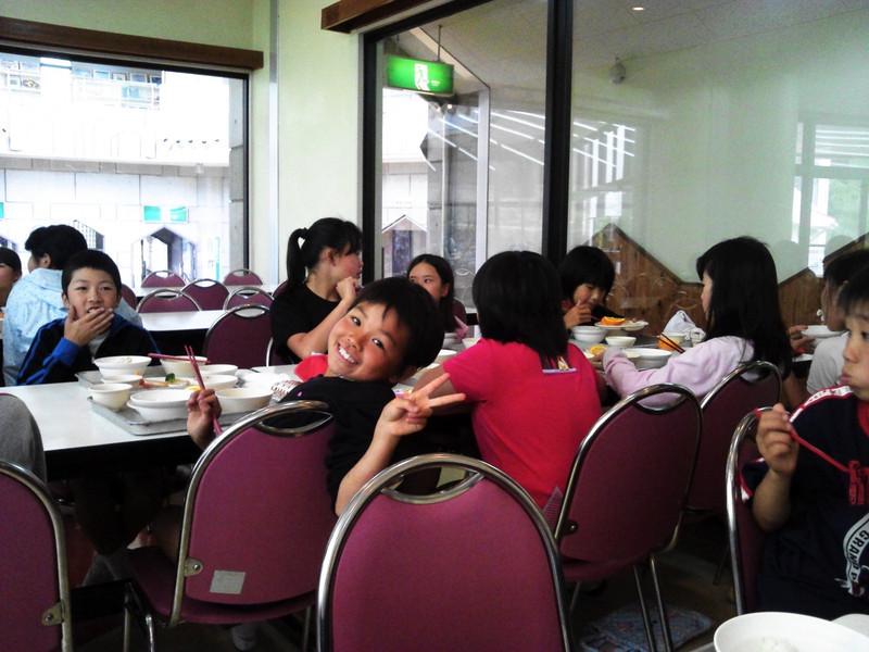 昼食中です